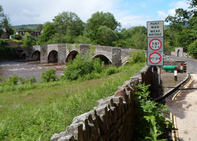Weight and width restrictions across Llangynidr Bridge