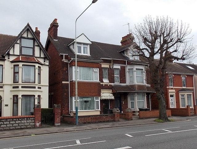 Angelique Guest House, Swindon