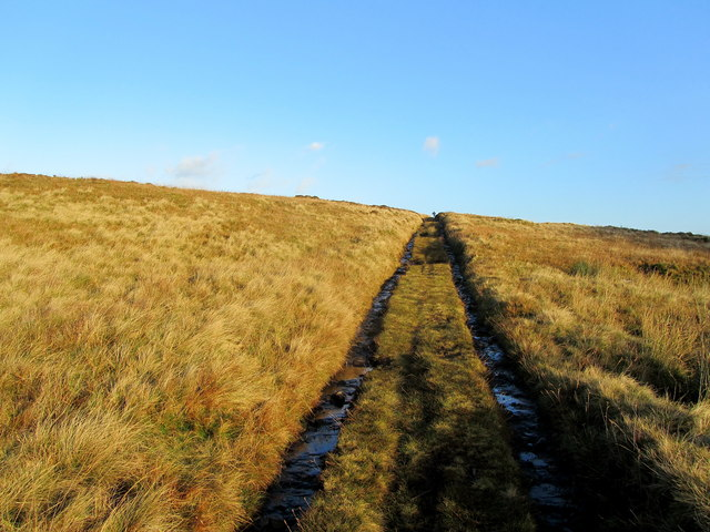 Moorland Track rising over Far Brown Hill