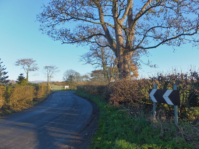 Double bend on Rawcliffe Road
