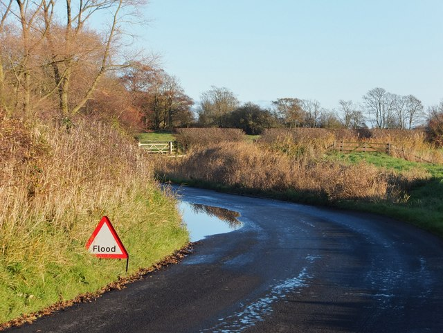 Subsiding flood on Rawcliffe Road