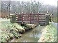 SD8633 : Netherwood Farm Footbridge by Richard Cooke