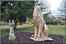TL8663 : The Wolf And The Crown by Keith Evans