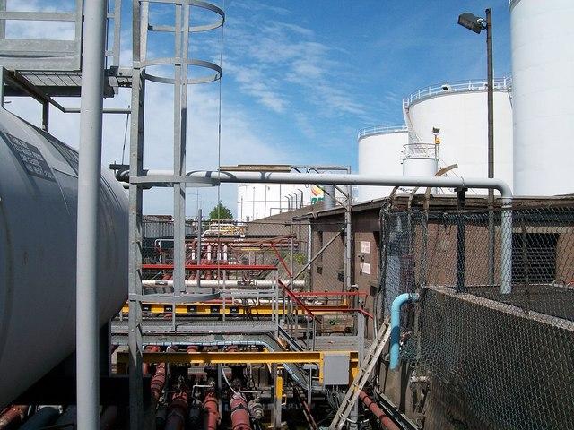 Pipelines serving fuel depot on Alexandra Road