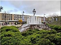 SD7109 : Victoria Square Fountain by David Dixon