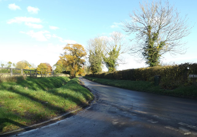 Low Road, Topcroft