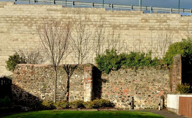 The town wall, Carrickfergus (8)