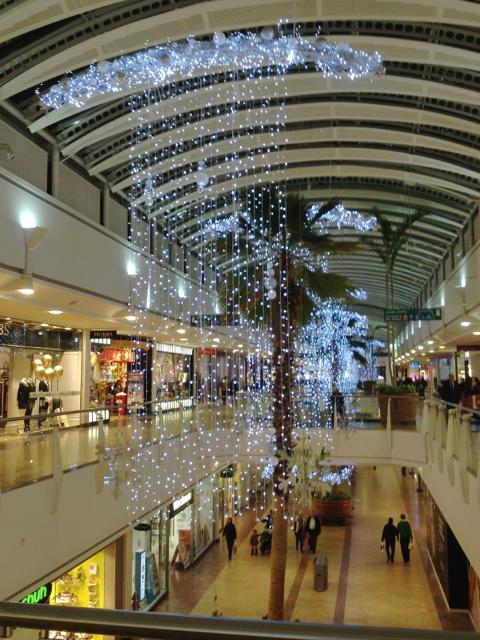 Christmas Lights In The Mall Cribbs 169 Robin Stott