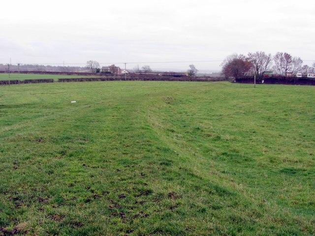 Waggonway embankment south of Broomhall Farm