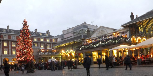 Christmas Lights In Covent Garden 2013 C David Smith Cc By Sa 2 0 Geograph Britain And Ireland