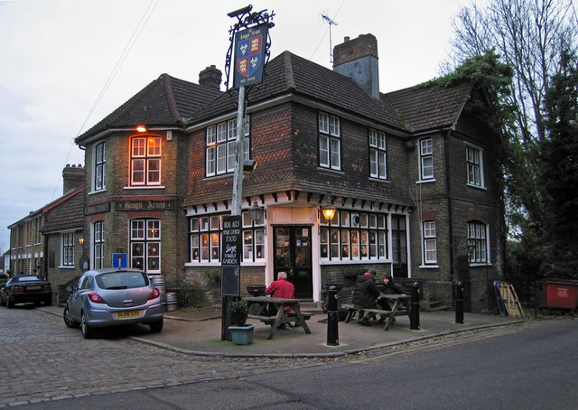 Dusk at the Kings Arms, Upper Upnor