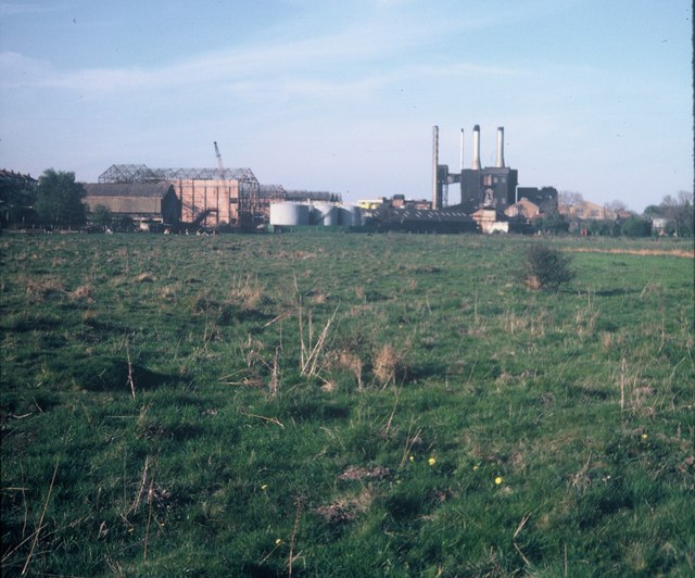 Croxley Paper Mills from Common Moor