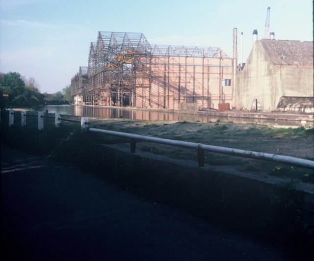 Croxley Paper Mills being demolished