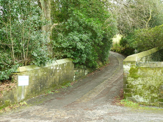 Driveway to Glen House and Old House Farm