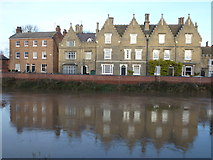 TF4509 : Tide mark on the flood wall - North Brink, Wisbech by Richard Humphrey