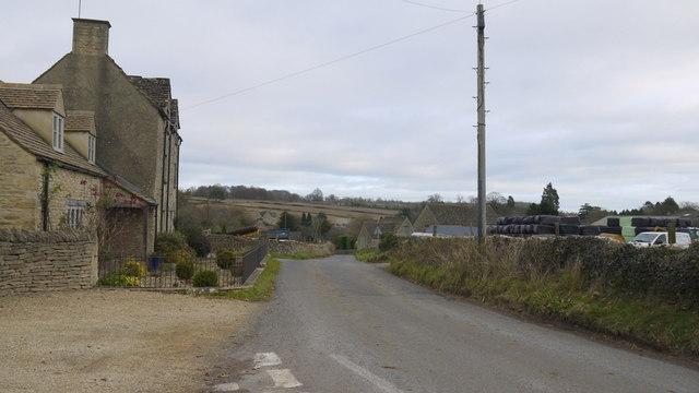 Approaching Daglingworth