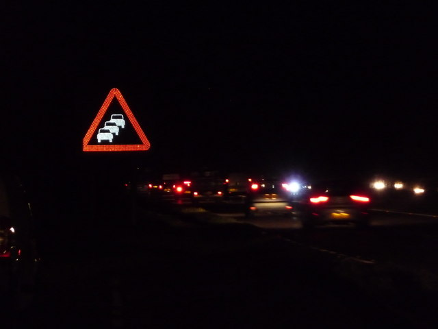 Poulner: queue warning sign on the A31
