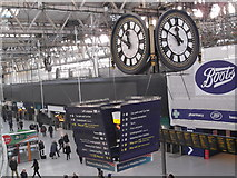 TQ3179 : Clock and concourse, Waterloo Station SE1 by Robin Sones