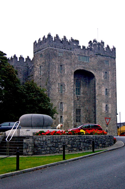 Bunratty - 15th Century Bunratty Castle