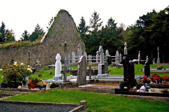 Derelict Bunratty Church & Graveyard & More Recent Burial Sites