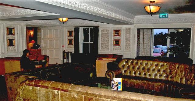 Bunratty Castle Hotel - Lounge Area