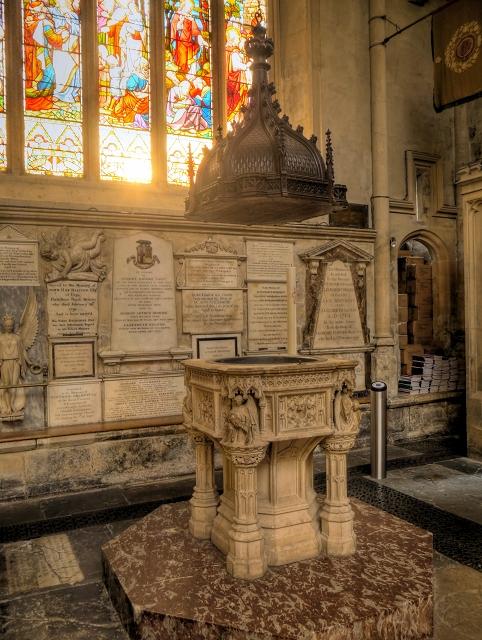 Bath Abbey, Font