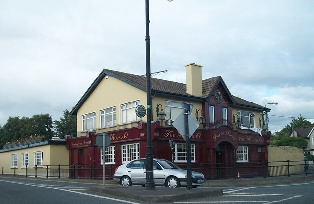 The Round O Bar and Lounge on Flower Hill, Navan
