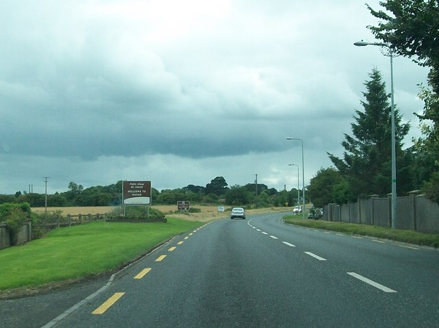 Entering Navan from the north on R162