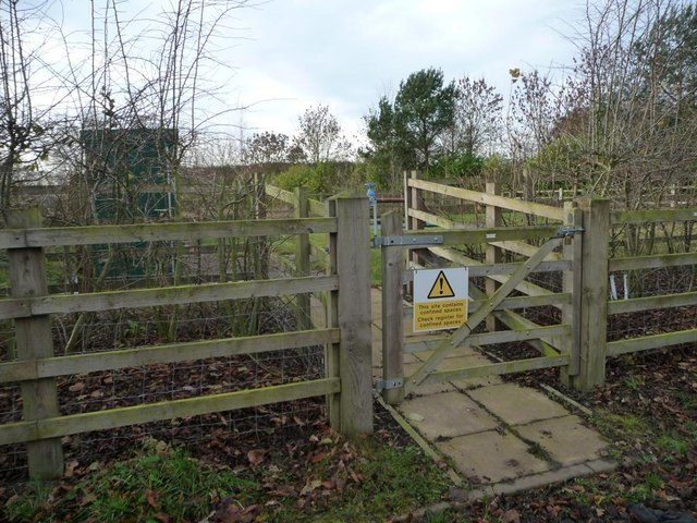 Entrance to the sewage works, Moss Mere