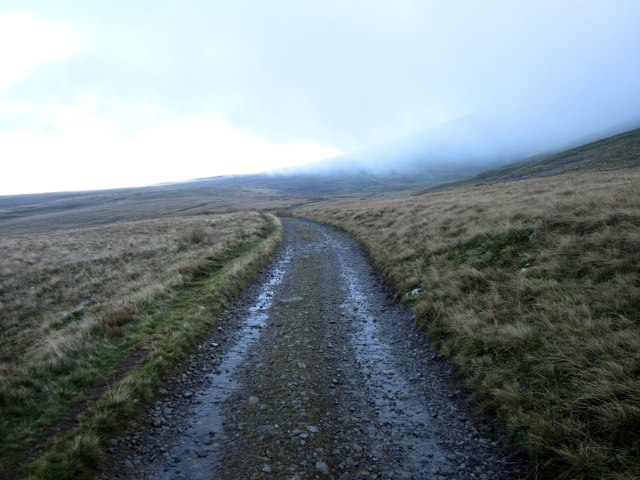 Looking along the Old Coach Road below Threlkeld Knotts