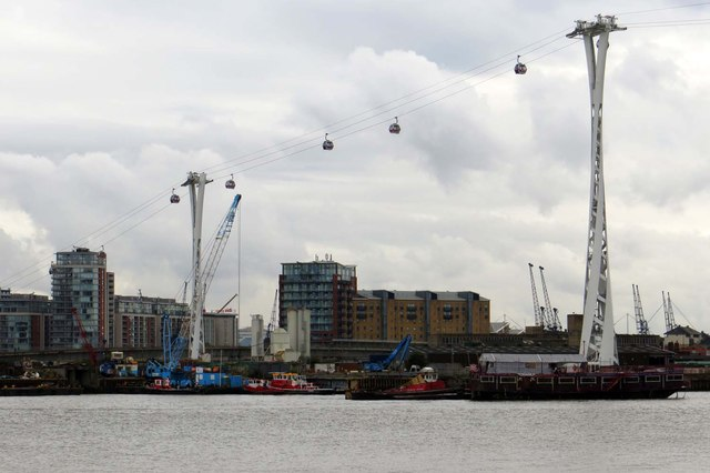 The Emirates cable car crosses Thames Wharf