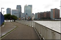 TQ3980 : The Thames Path by Blackwall Point by Steve Daniels