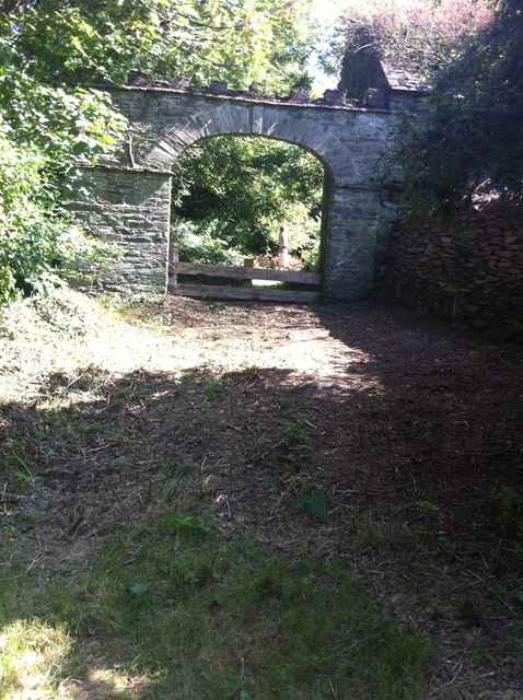Entrance to Downeen House (in ruins)