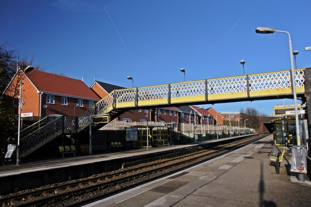 Footbridge, Walton railway station