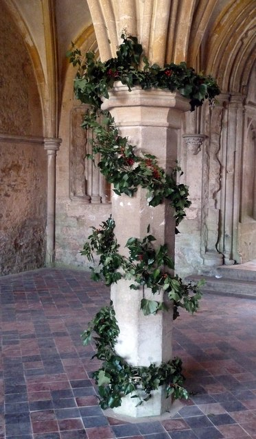 Wreathed pillar, Chapter House, Lacock Abbey