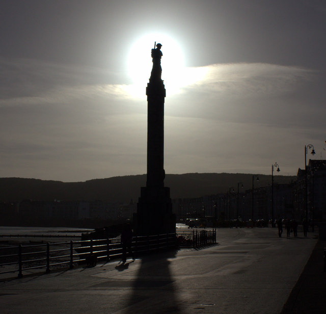 Midday Christmas 2013,  War memorial
