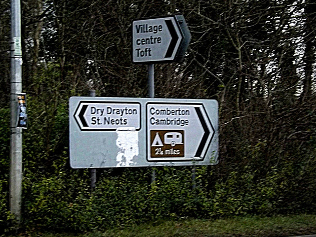 Roadsigns on St.Neots Road