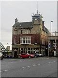 NZ2563 : The Bridge Hotel, Newcastle upon Tyne by Graham Robson