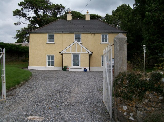 House in the village of Clonfinlough, Co Offaly