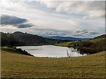 NH6750 : Loch Lundie by Julian Paren