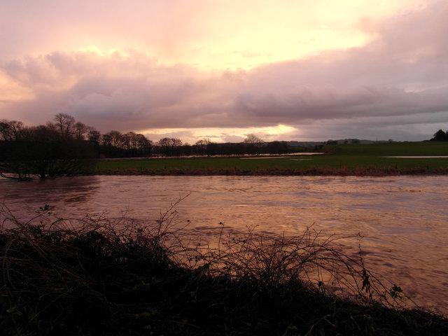 The Kinnel Water in flood near Bridgemuir