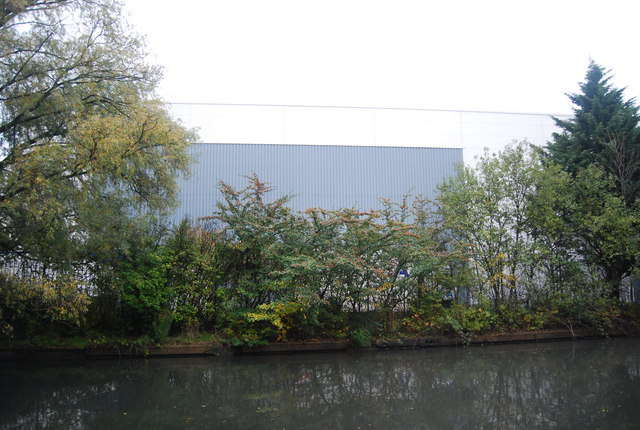 Industrial unit by the Grand Union Canal
