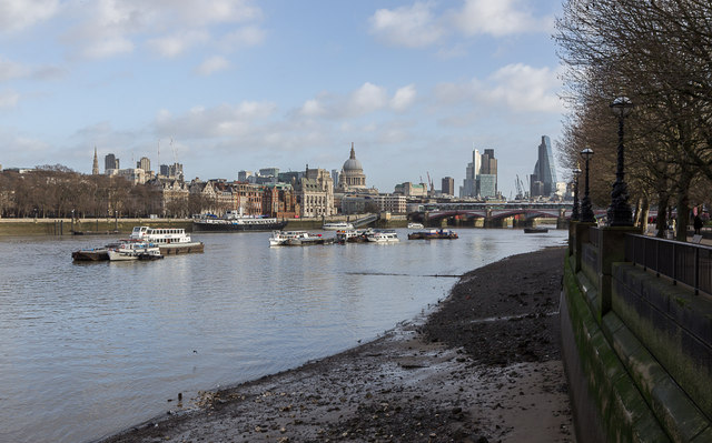 Thames-side Beach, South Bank, London SE1