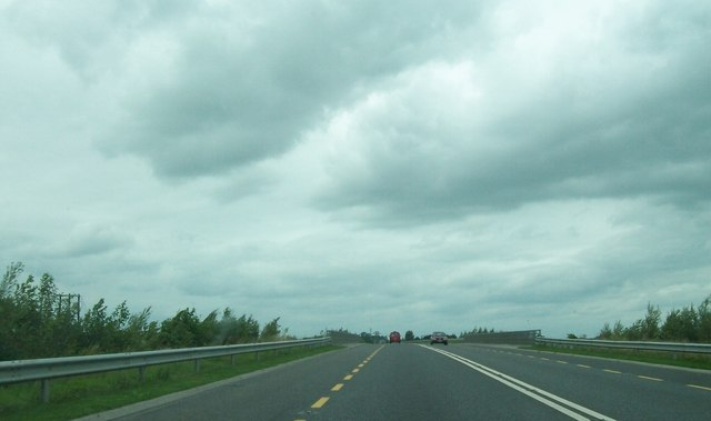 The north-bound lane of the N52 approaching the Grand Canal Bridge at Tullamore