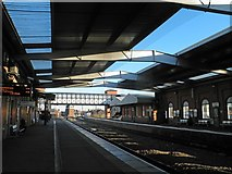 TA2609 : Split and tapered roofbeams at Grimsby Town railway station by Steve  Fareham