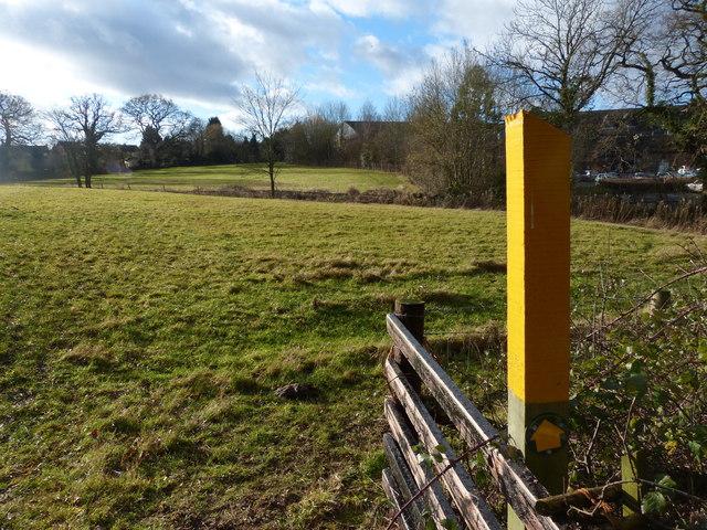 Footpath marker along Gartee Road