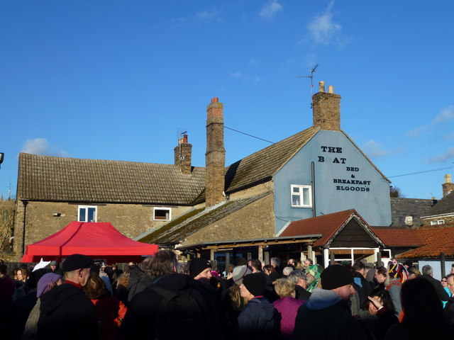 Crowd at The Boat Inn - Whittlesea Straw Bear Festival 2014