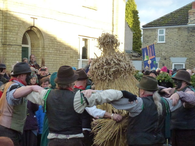 Old Glory Molly dance round straw bear - Whittlesea Straw Bear Festival 2014