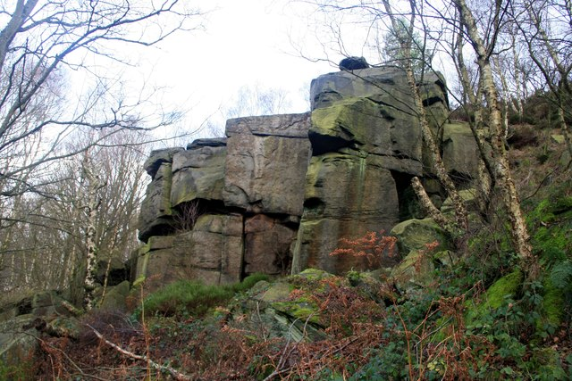 Rock faces on Wharncliffe Crags