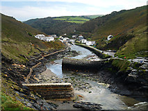 SX0991 : Boscastle Harbour by Chris Gunns